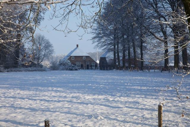 Het besneeuwde buitengebied van Vorden (foto: Hans Thijssen)