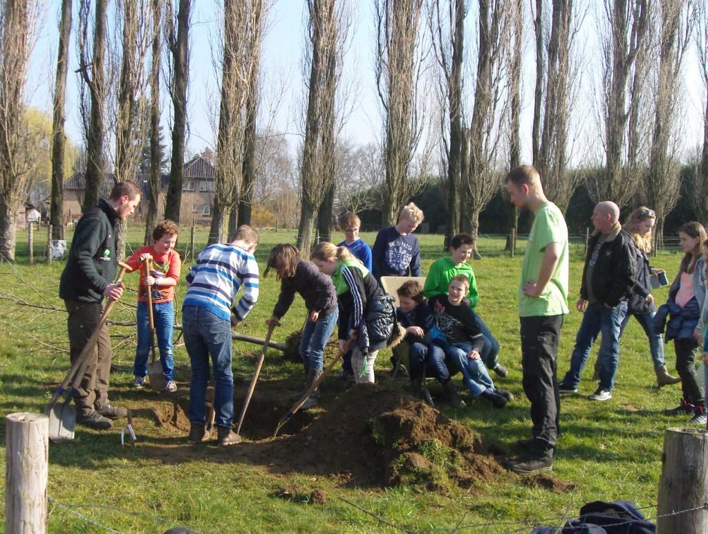 Boomplantdag 2014 (Piersonschool Hengelo) (4)